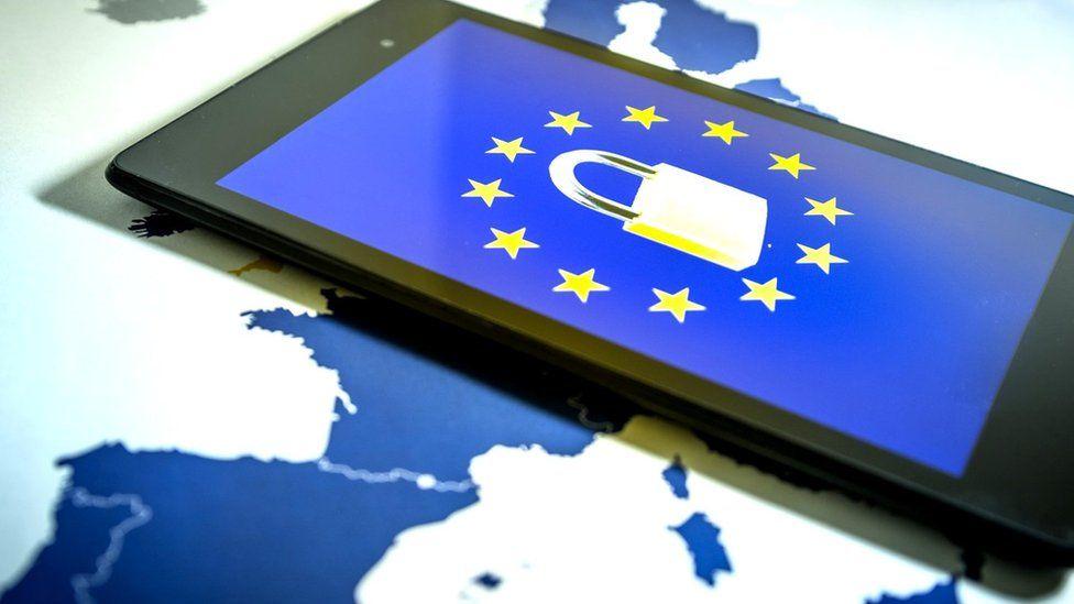 Image of the EU flag on a phone screen