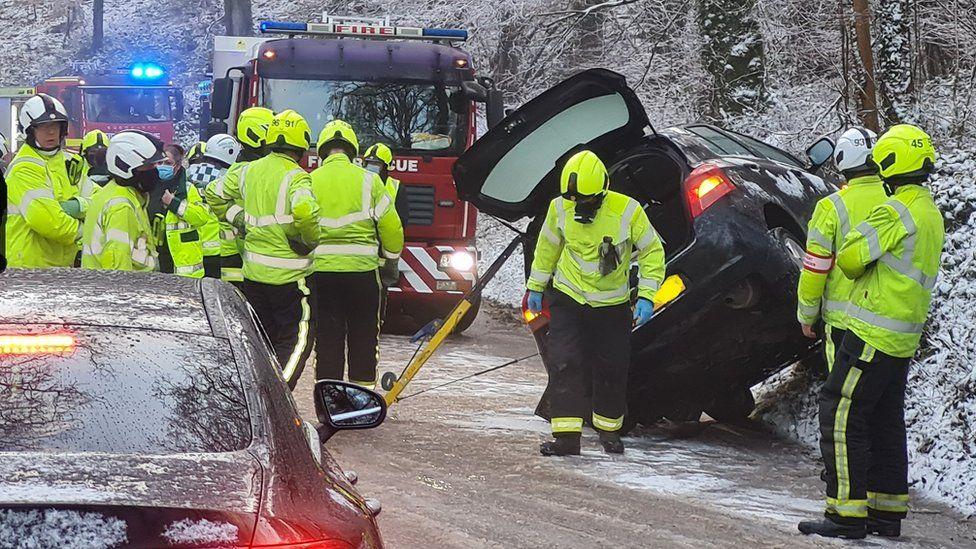 Buncombe Hill, Somerset, icy weather crash