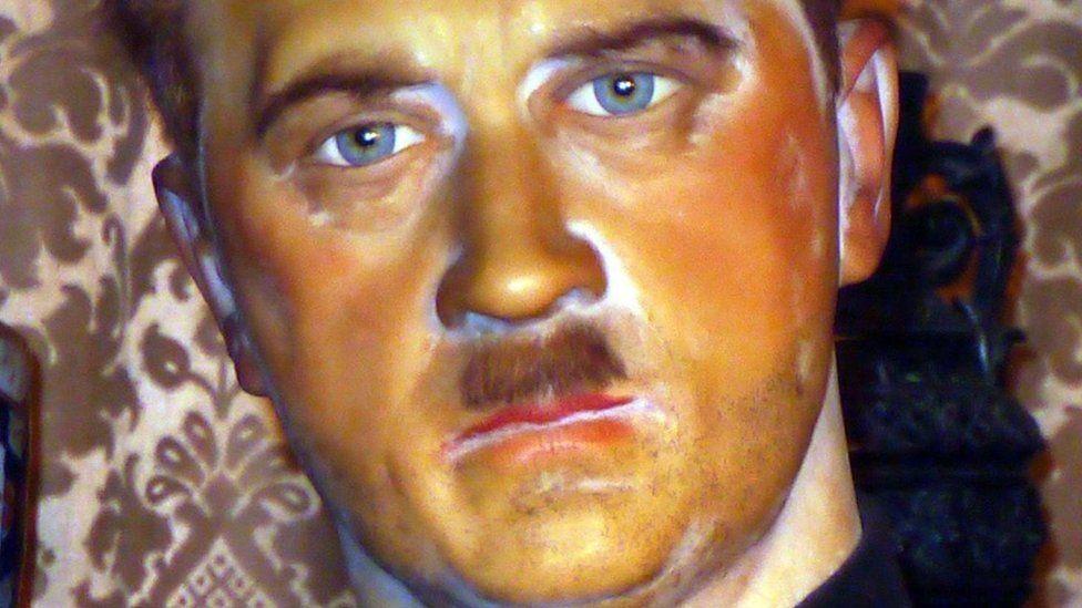 Гітлер - воскова фігура