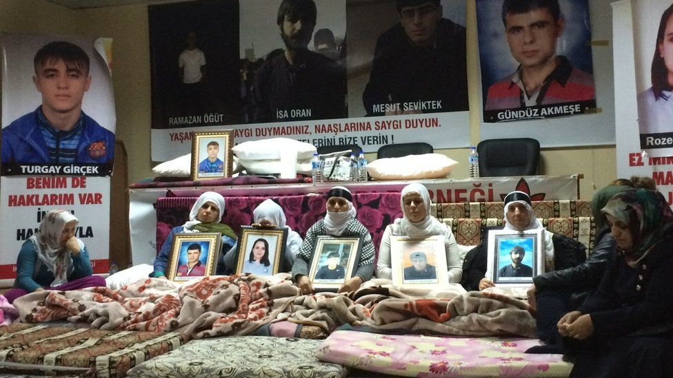 • Mothers' vigil in Diyarbakir