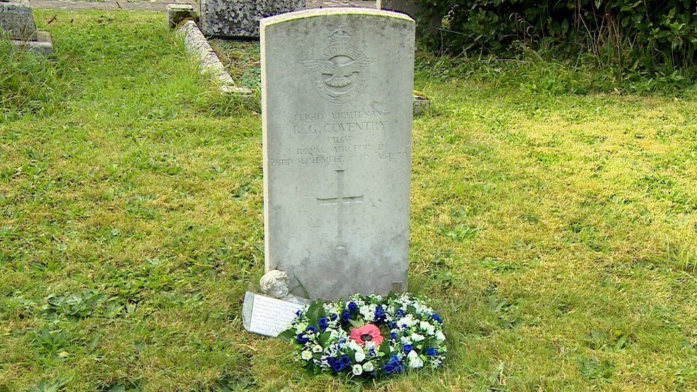 Grave of airman