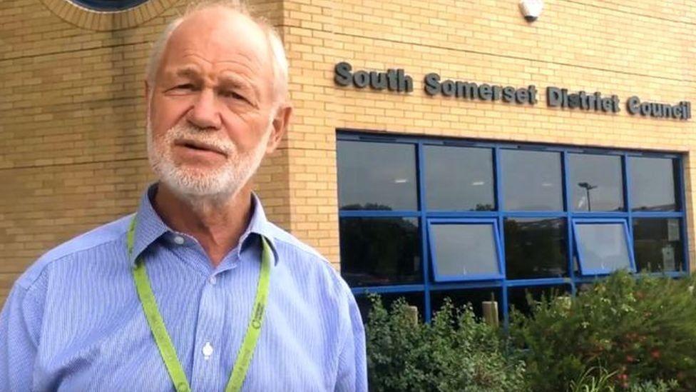 Ric Pallister: Ex-politician admits 'consensual' sexual liaisons thumbnail