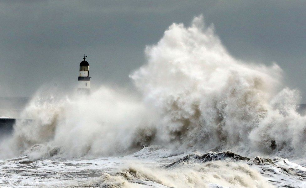 Waves at Seaham Harbour