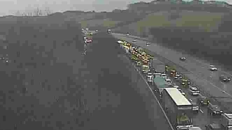Queues at junction 35 M4