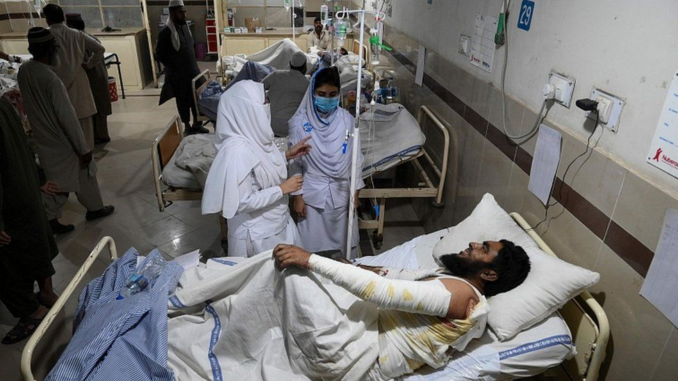 Injured victims are treated at a hospital in Bahawalpur on October 31, 2019