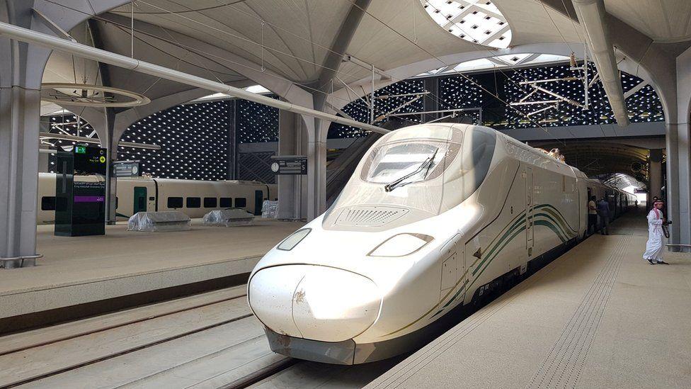 A high-speed Haramain Express train stops at King Abdullah Economic City near Jeddah, Saudi Arabia (18 September 2018)