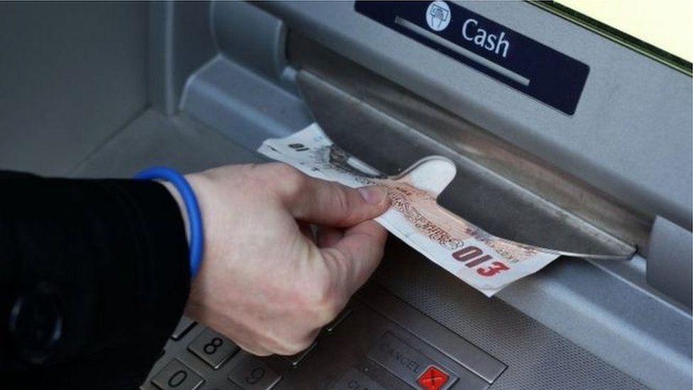 money in cash machine