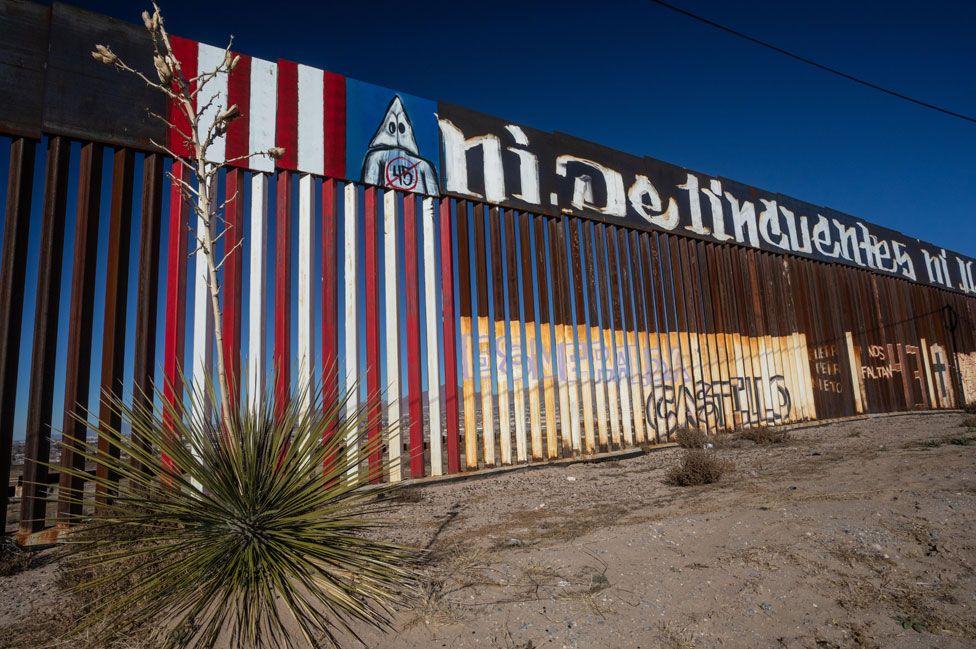 Border fence between El Paso and Juarez Chihuahua