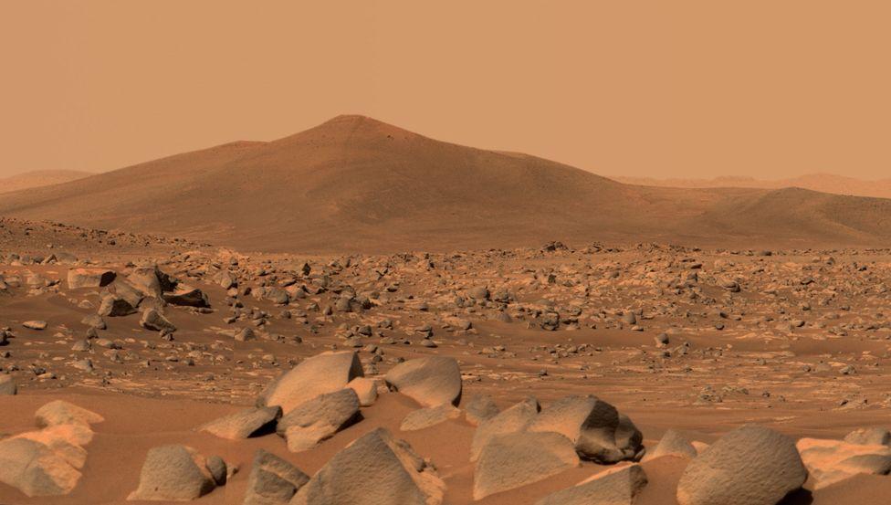 Santa Cruz hill photographed by Nasa's Perseverance Mars rover's Mastcam-Z imager, on 29 April 2021