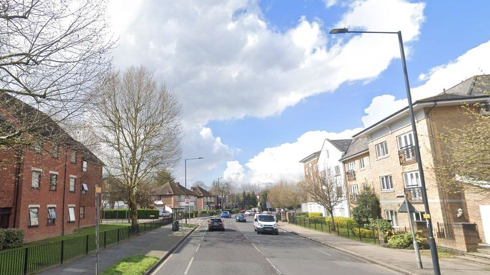 Forty Avenue, Wembley