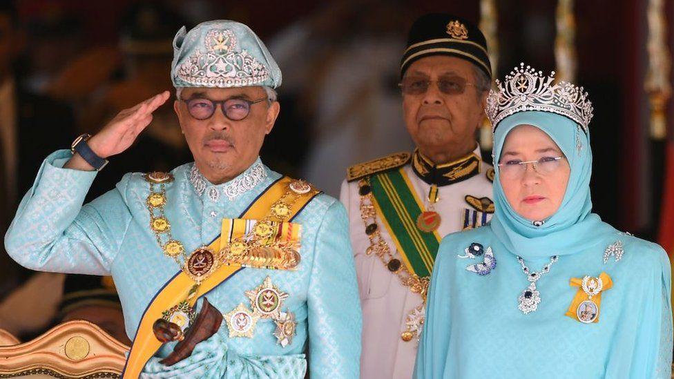 the sixth Sultan of Pahang, Al-Sultan Abdullah Ri'ayatuddin Al-Mustafa Billah Shah Ibni Sultan Ahmad Shah Al-Musta'in Billah