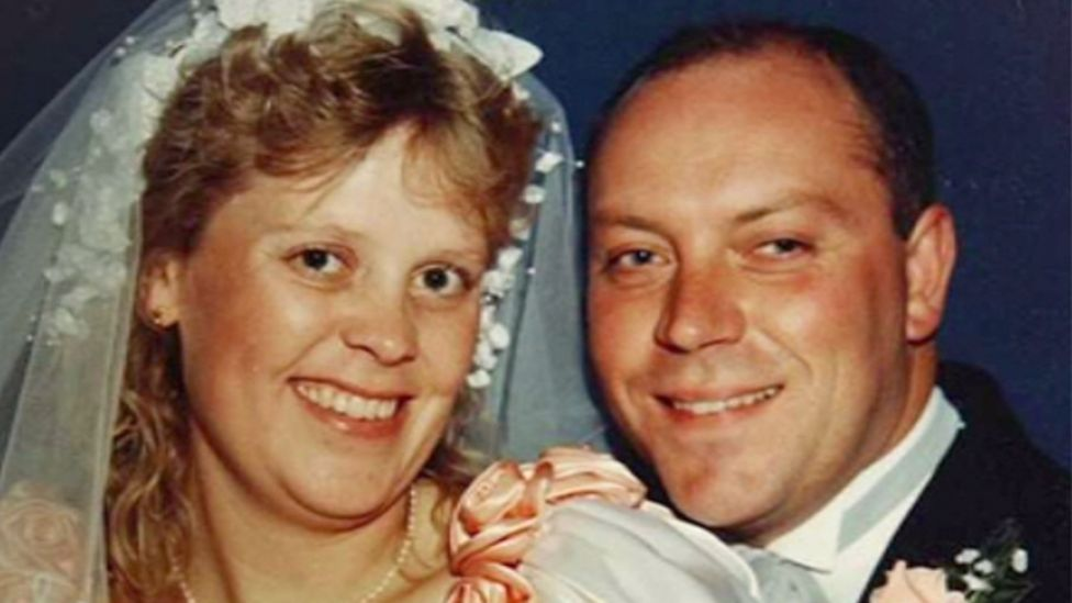 Debbie and Andy on their wedding day