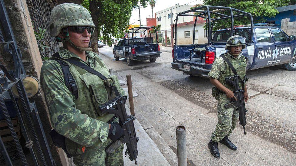 La escalada militar continúa