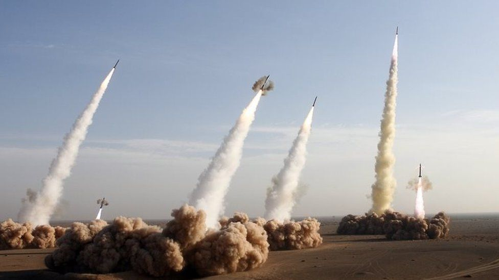 Iran's Revolutionary Guards fire Shahab-2 long-range ballistic missiles during military manoeuvres in the central desert outside the city of Qom (02 November 2006)