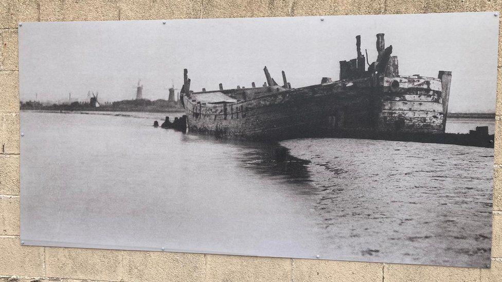 Image on sea wall
