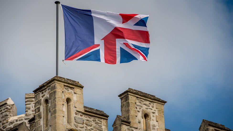 Amalgamation of the French and United Kingdom flag