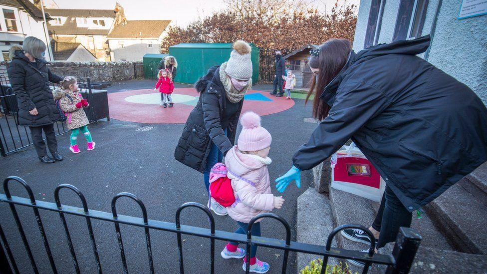 Nursery pupils arrive at Inverkip Primary School