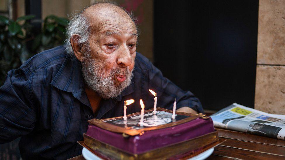 جشن تولد نود سالگی آرا گولر