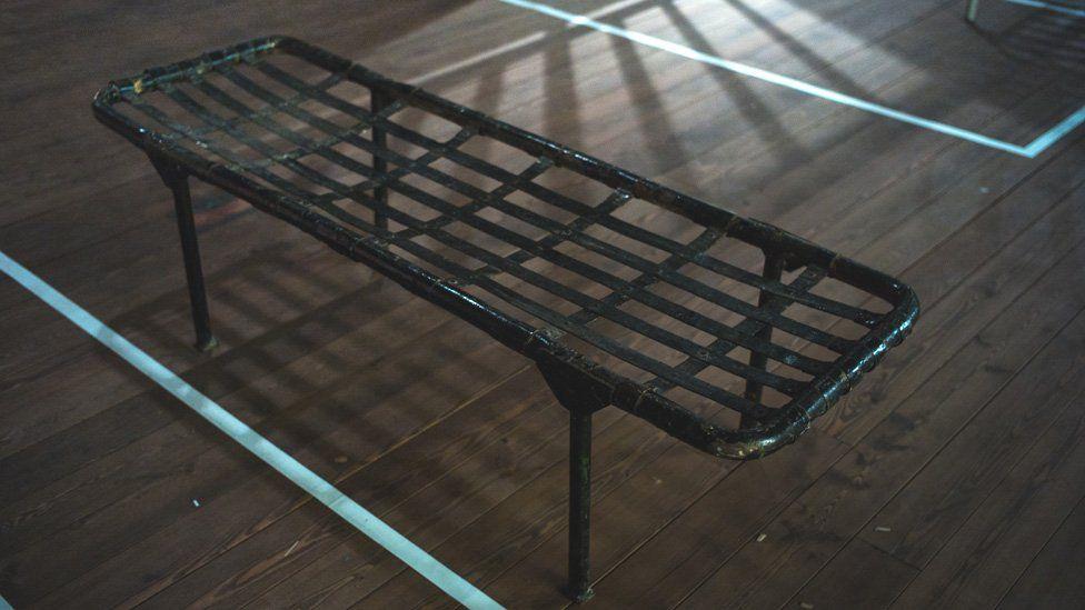 Prisoner's bed frame