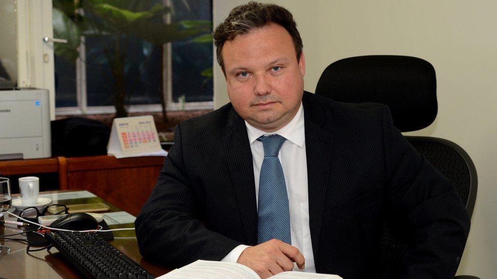 Delação premiada é chave para combater 'pacto de silêncio entre criminosos', diz juiz do mensalão