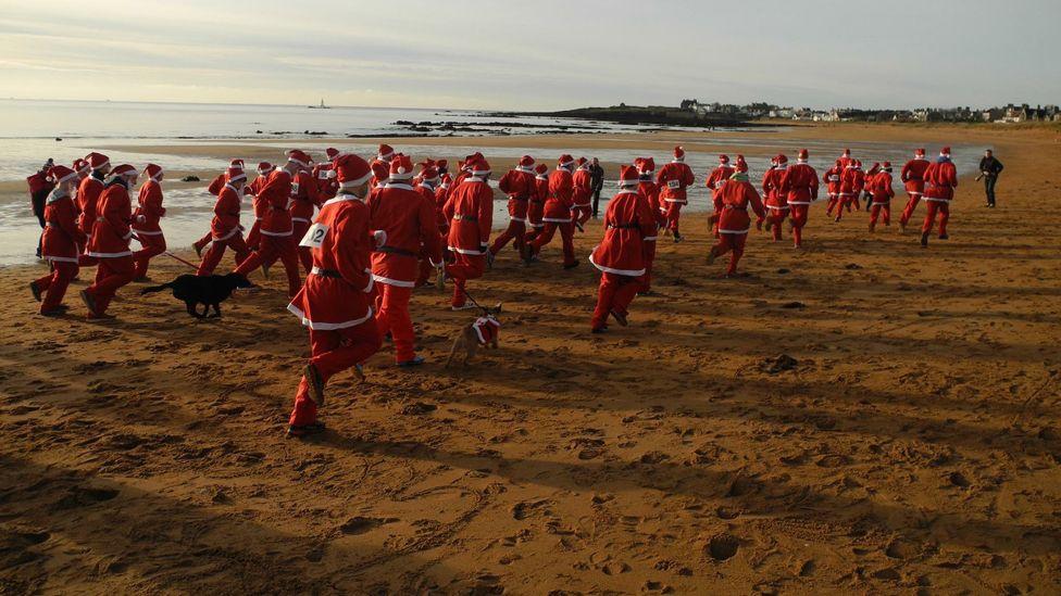 Santa run on Elie beach