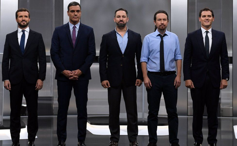 The five main candidates standing next to each other