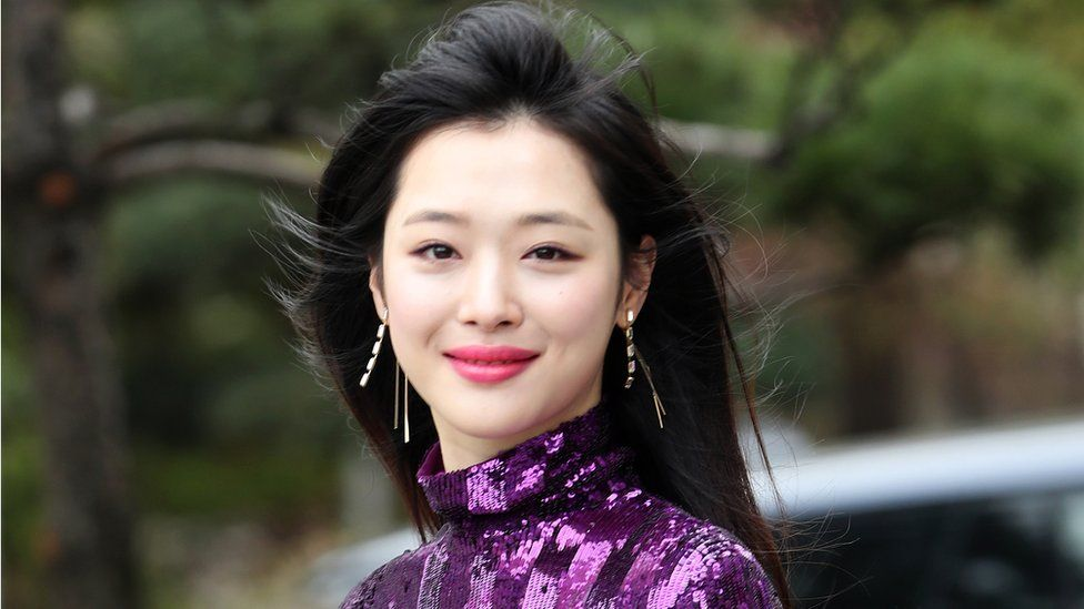 Sulli The Woman Who Rebelled Against The K Pop World Bbc News