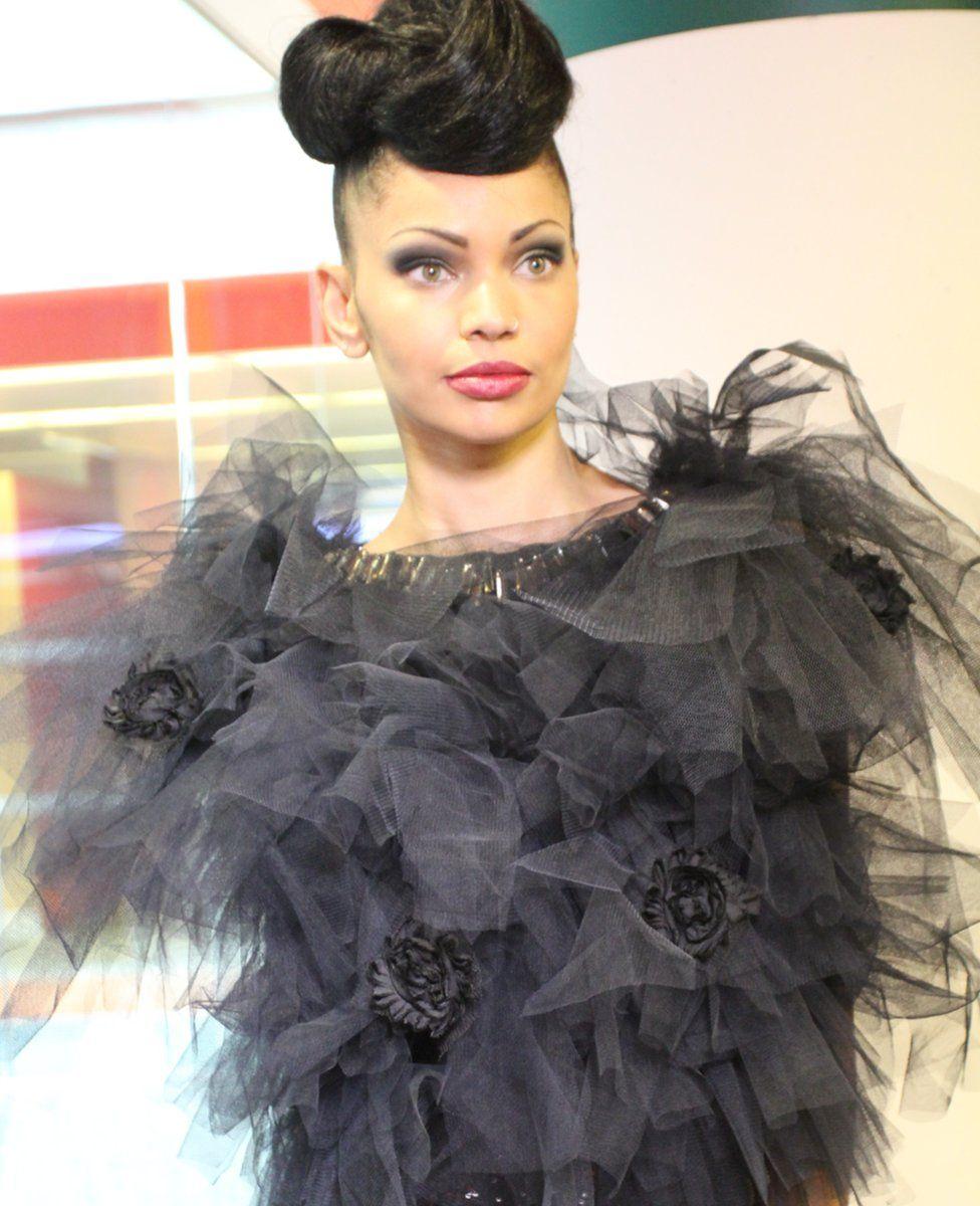 Model Franceska in black dress