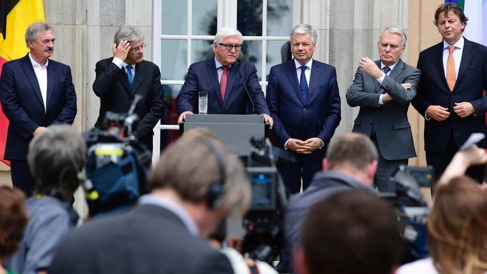 """Luxembourg's Foreign minister Jean Asselborn, Italy's Foreign minister Paolo Gentiloni, Germany's Foreign minister Frank-Walter Steinmeier, Belgium's Foreign minister Didier Reynders, France""""s Foreign minister Jean-Marc Ayrault and Netherlands"""" Foreign minister Bert Koenders at a conference"""