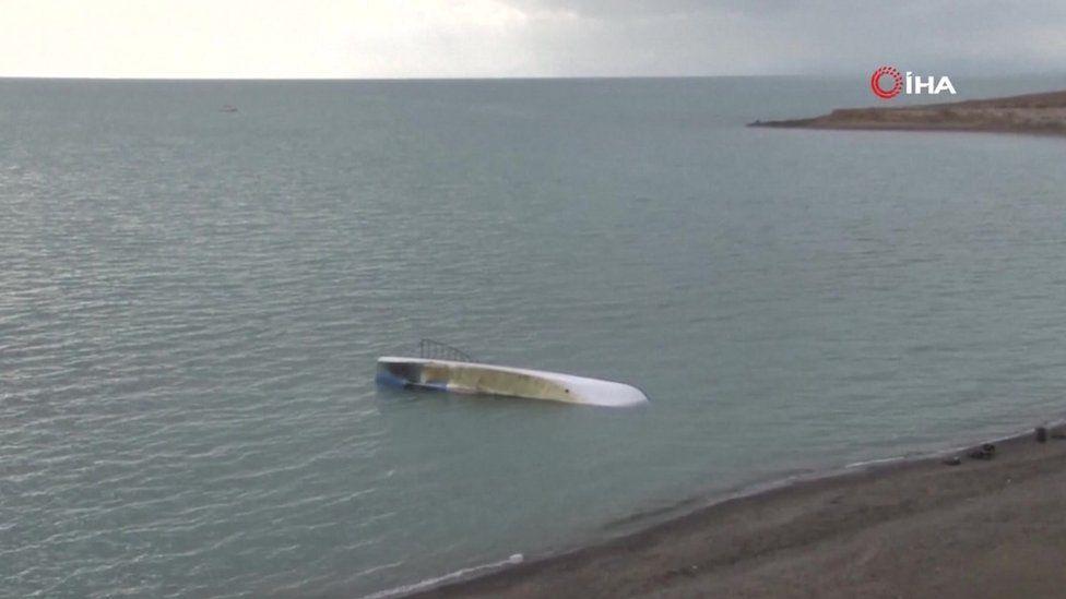 Boat sank in Lake Van