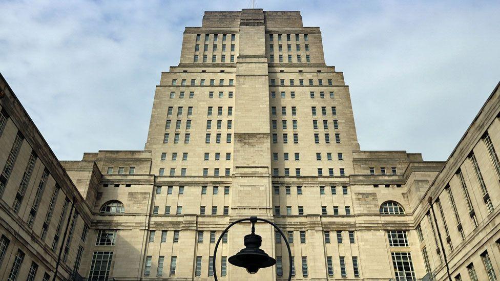 """La operación secreta que se llevó a cabo en el """"Ministerio de la Verdad"""" de George Orwell durante la Segunda Guerra Mundial"""