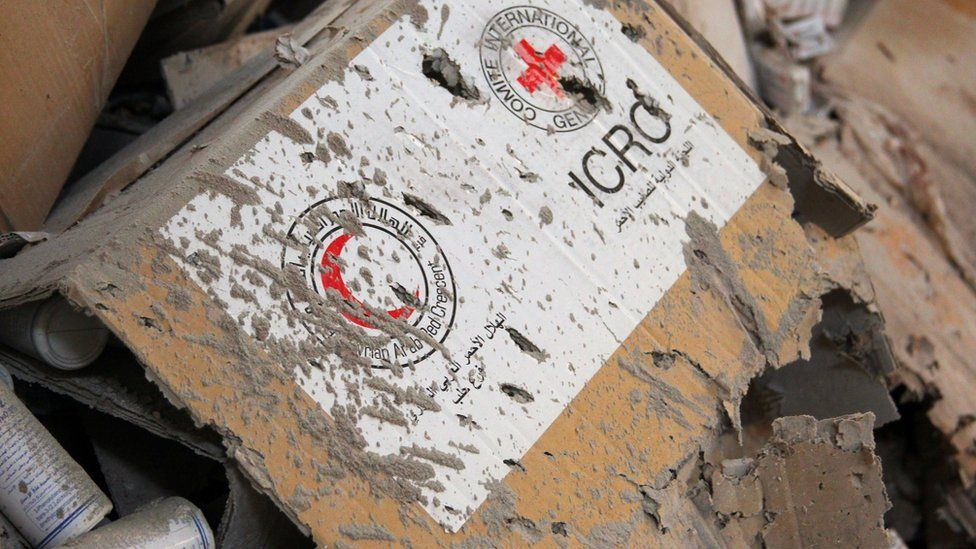 Damaged Red Cross and Syrian Arab Red Crescent medical supplies in Urum al-Kubra (20 September 2016)