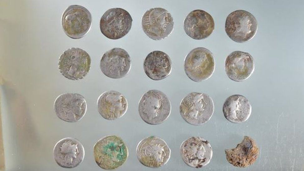 Roman coin stash 'may have been linked to Boudiccan revolt'