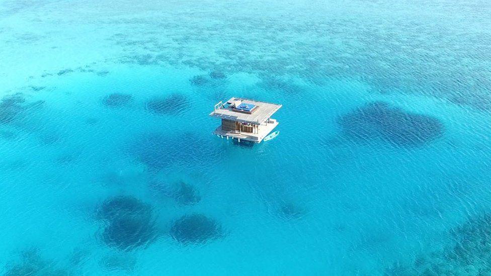 The Manta Resort's underwater room