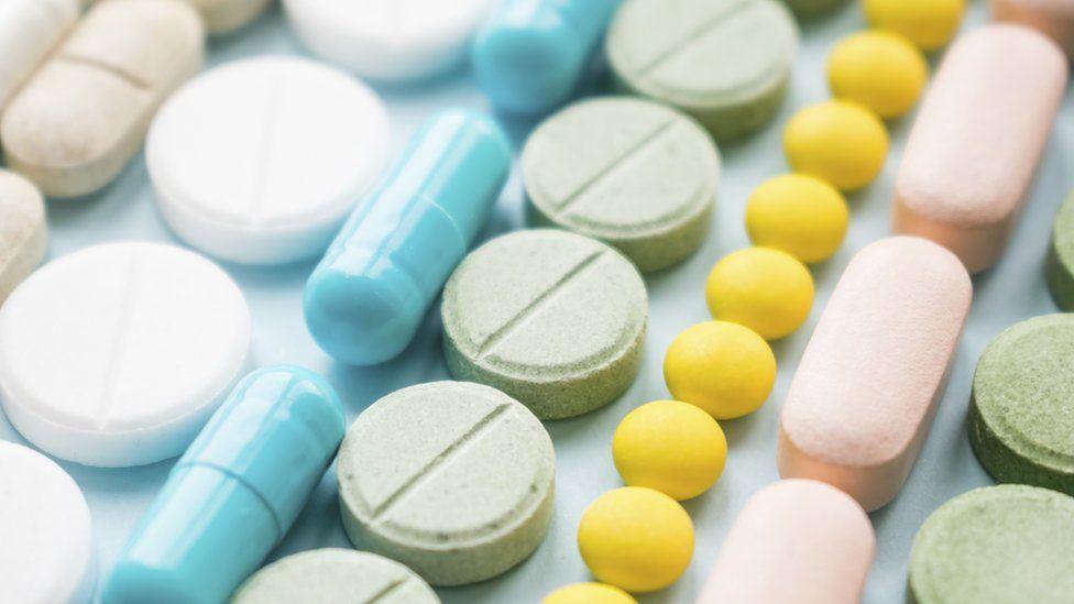 """Les pays africains achètent les médicaments """"30 fois plus"""" chers"""