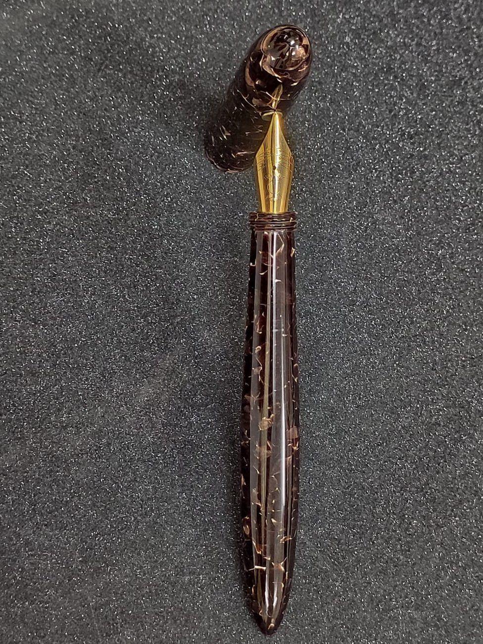 Buffalo horn pen