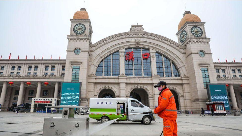 武汉市长周先旺事后形容,封城是一个非常艰难的决定