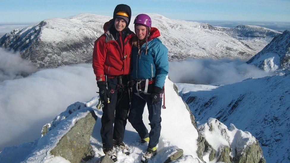 Tim Newton agus Rachel Slater