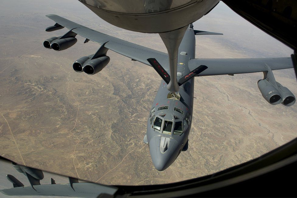 B-52 refuelling mid-air