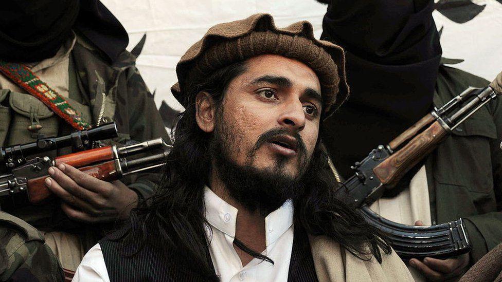 Pakistani Taliban commander Hakimullah Mehsud speaks to a group of media representatives in the Mamouzai area