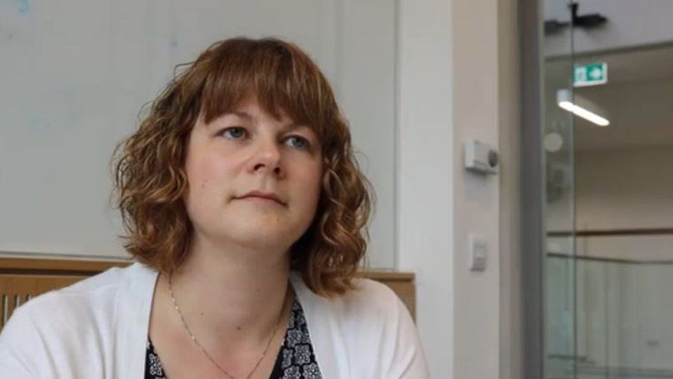 Dr Claire Crawford
