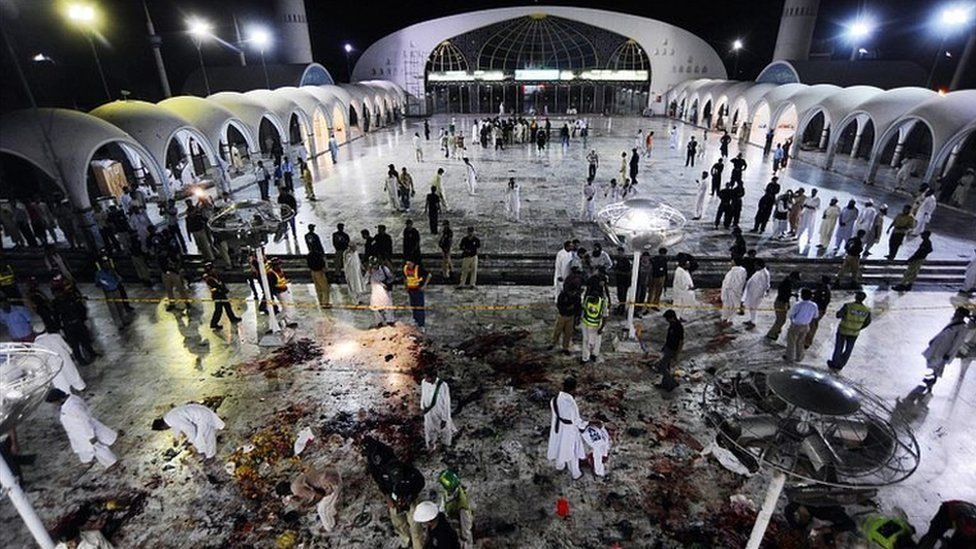 Scene of blast at Lahore shrine