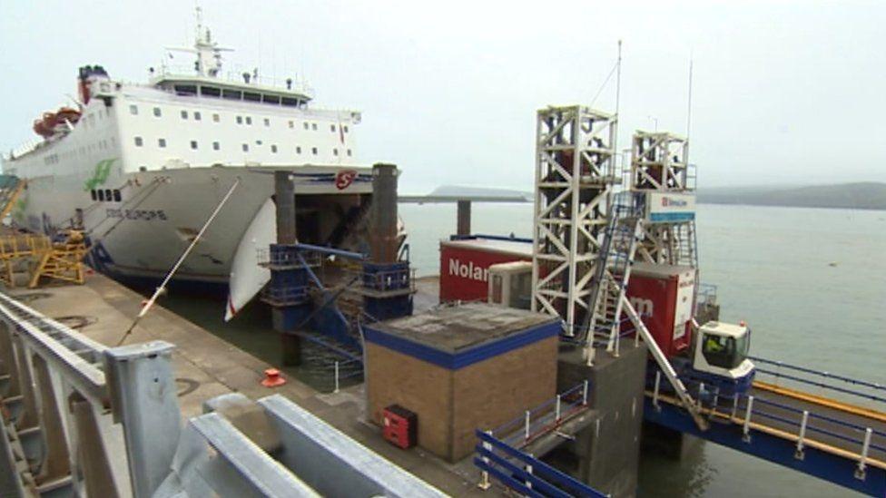 The linkspan ship to shore bridge