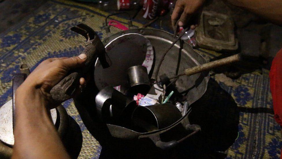 Tools to make the Thai drug kratom