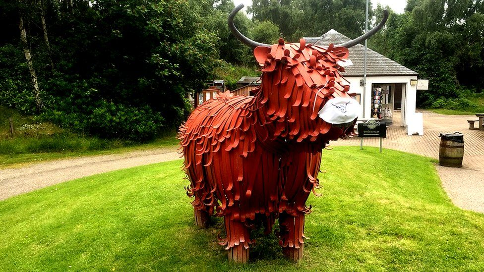 Hairy Coo sculpture