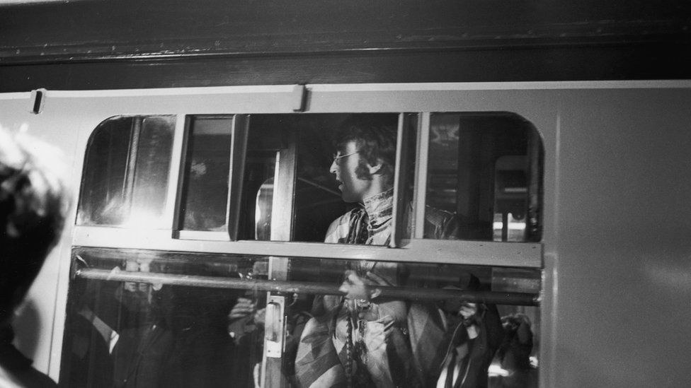 John Lennon shortly before the train's departure from Euston Station to Bangor on 25 August 1967