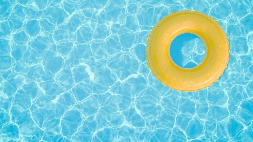 infección parasitaria de la piscina