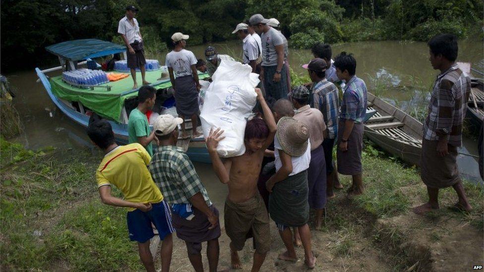 Aid arrives at Kyouk Taing village near Nyaung Don, Myanmar ( Aug 2015)