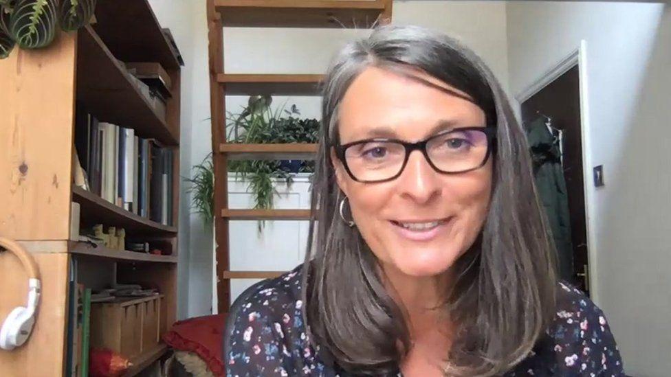 Dr Anna Bullen