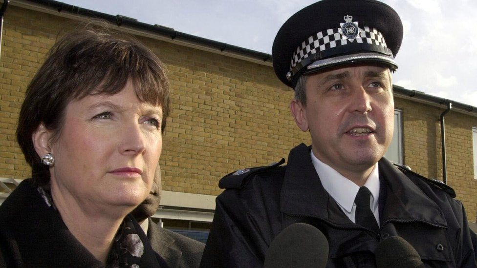 Harriet Harman MP and Supt Rod Jarman in 2000
